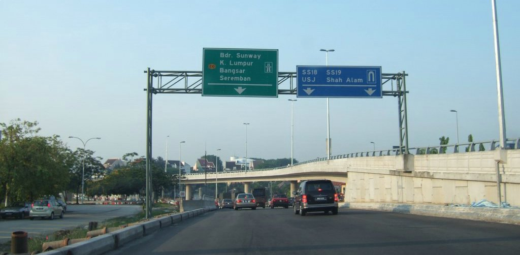 how to go to sunway pyramid